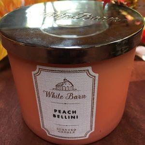 Bath and Body works candle peach bellini